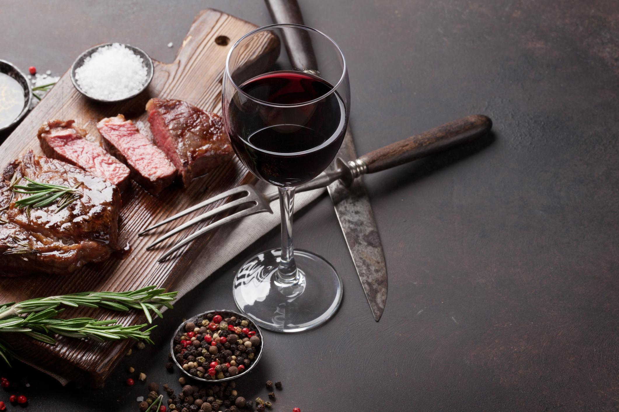 Beef and red wine : the best combinations depending on the type of dish