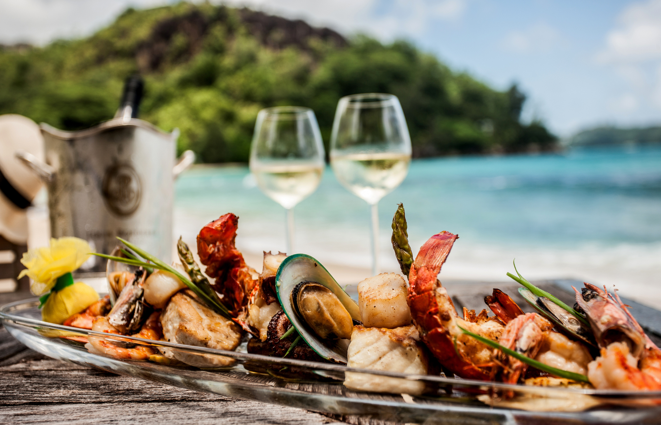 Cigars and Seafood: A Match Made in Heaven